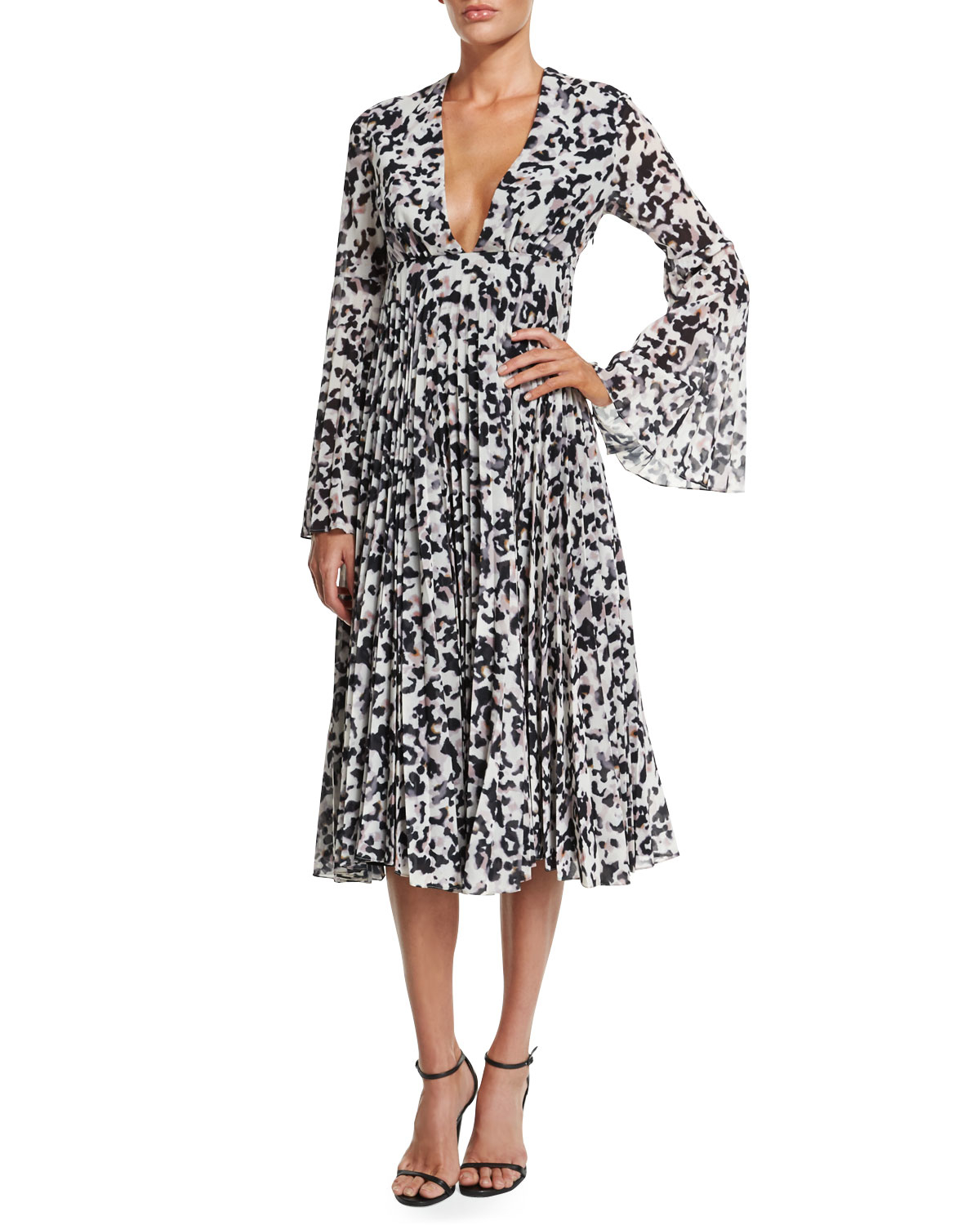 379648a2e88 CAMILLA AND MARC Long Sleeve Pleated Midi Cocktail Dress Black   White -  Size 10